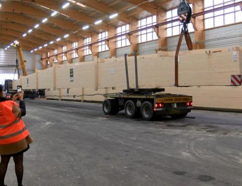 Insolite : un chargement de poutres XXL de 43m de long